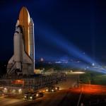 Rakete fährt zur Startrampe